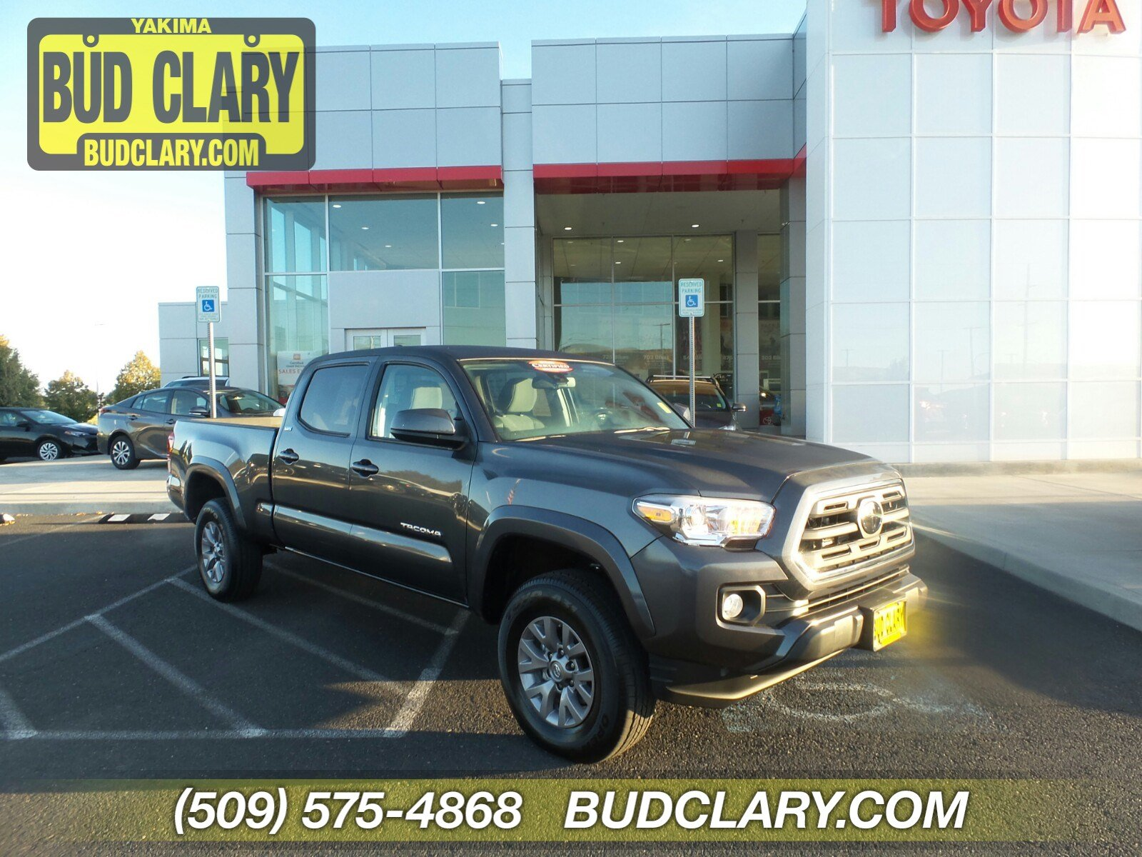 Pre-Owned 2019 Toyota Tacoma SR5 Double Cab 6' Bed V6 AT