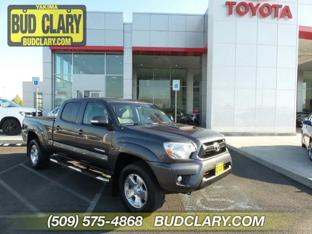 Pre-Owned 2014 Toyota Tacoma 4WD Double Cab LB V6 AT