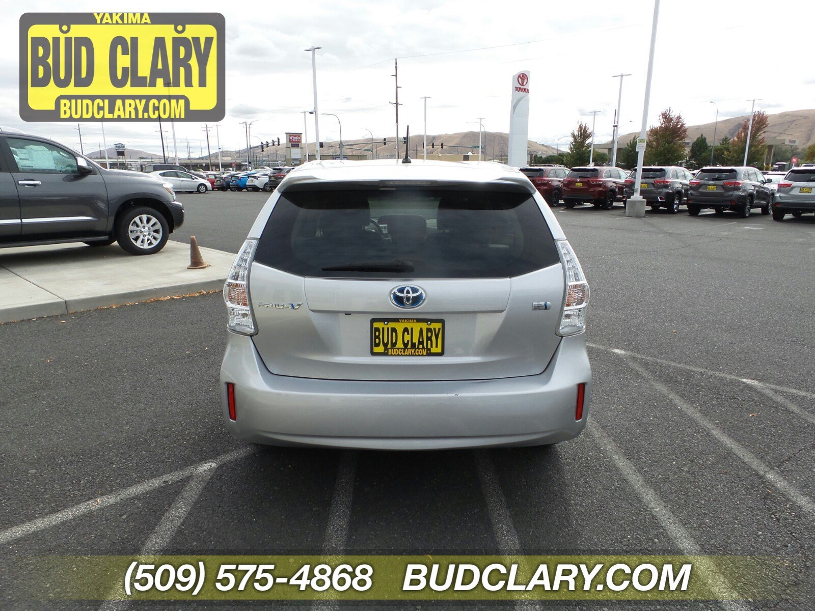 Certified Pre-Owned 2013 Toyota Prius v Two