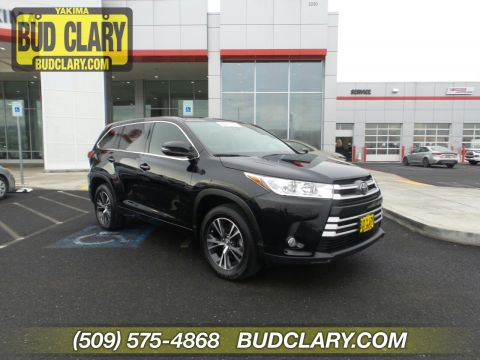 Certified Pre-Owned 2018 Toyota Highlander LE Plus FWD Sport Utility